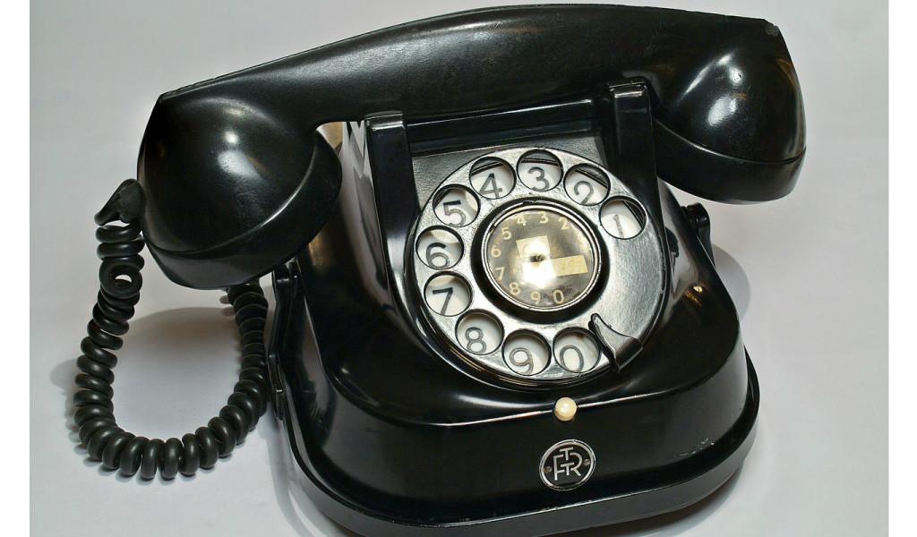Telephone - web op