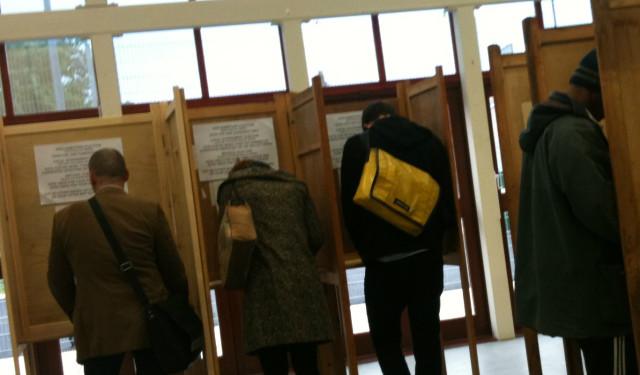 Voting web